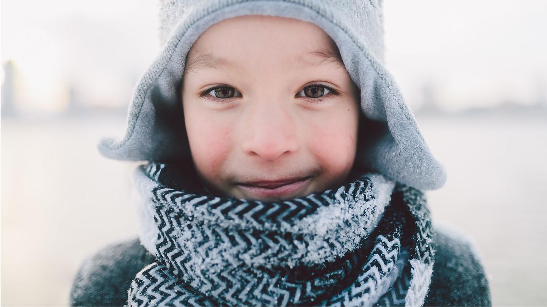 Kinder brauchen bei einer Schnupfnase und dicker Erkältung besondere Pflege.